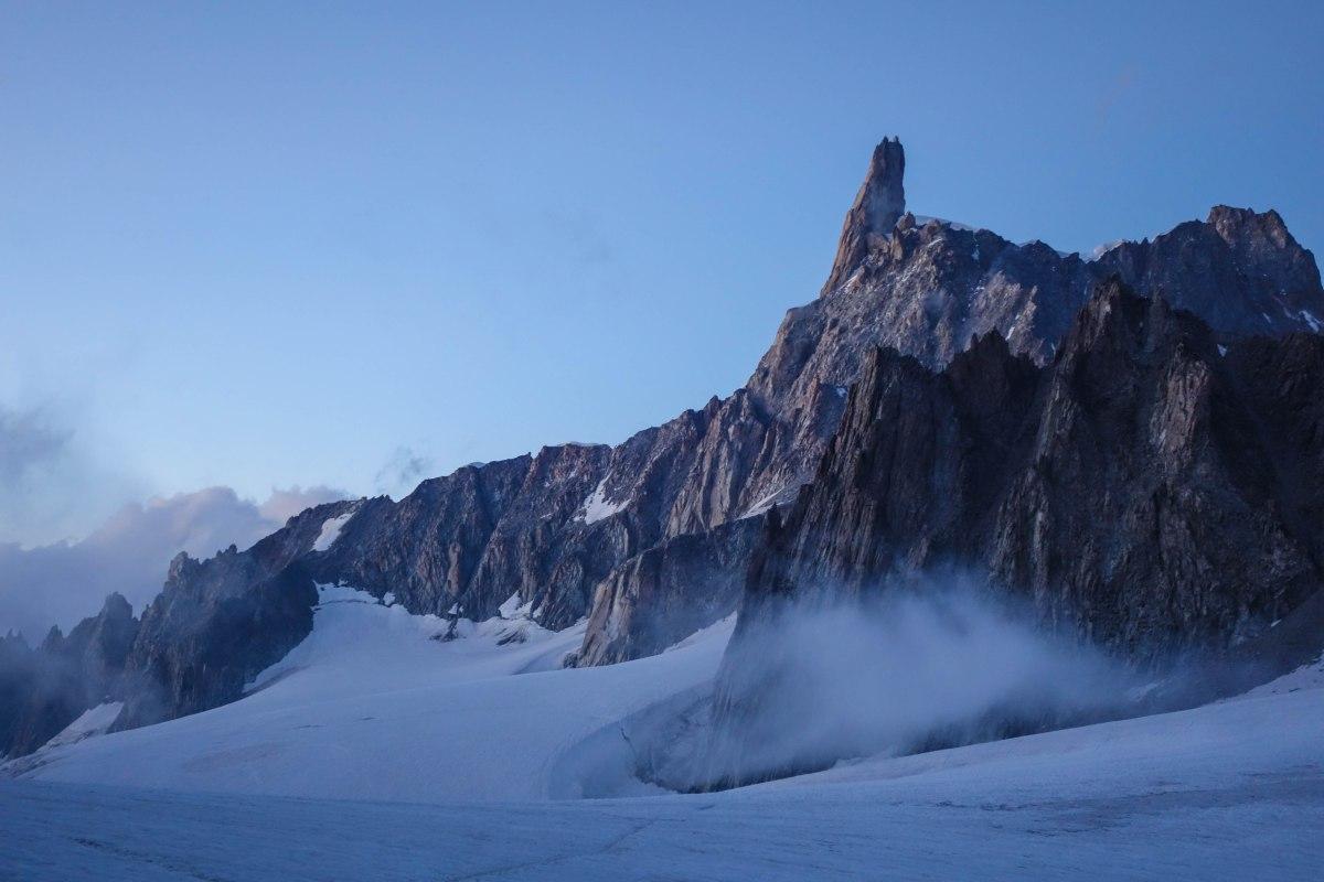Dent du Geant (4013m).