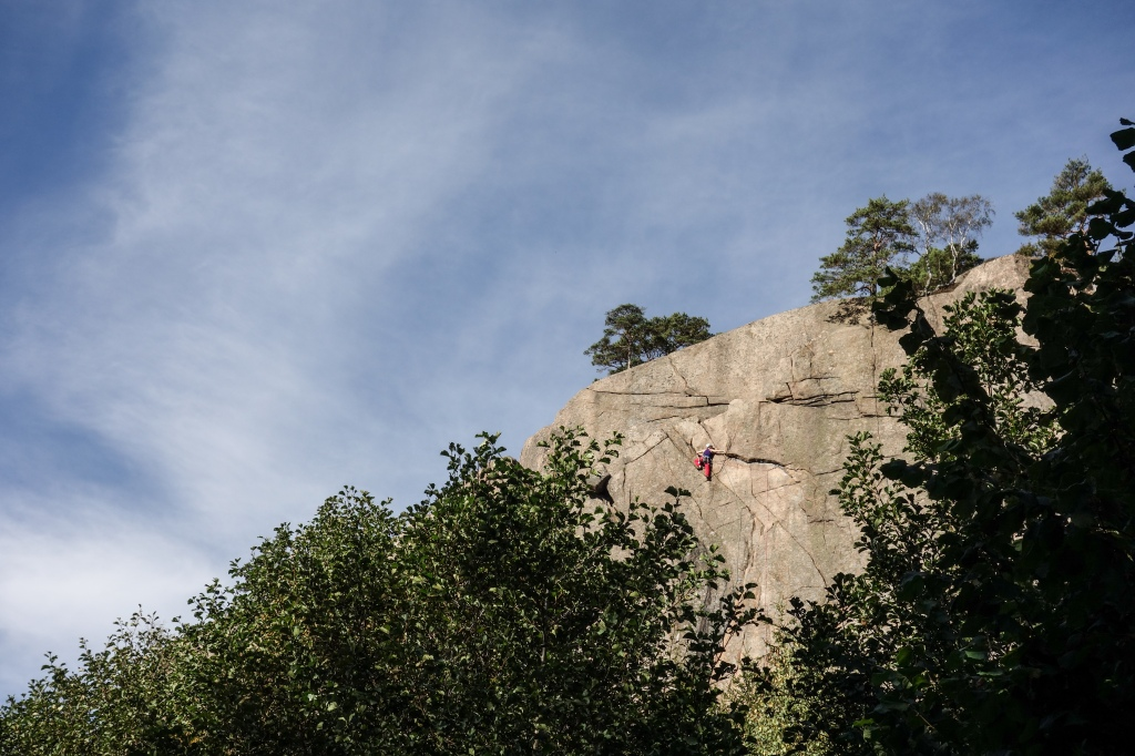 Villskud in Välseröd. One of the best 6- single pitch routes anywhere. Photo by Arno.
